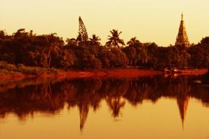 บรรยากาศริมแม่น้ำปิงฝั่งเวียงกุมกาม ยามเยน